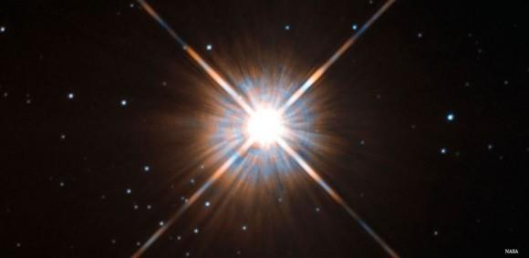 Proxima Centauri, imagen realizada por el Telescopio espacial Hubble