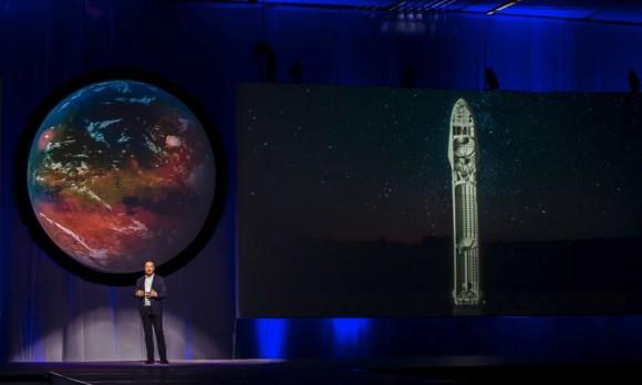 Elon Musk durante la presentación de los planes interplanetarios de Space X