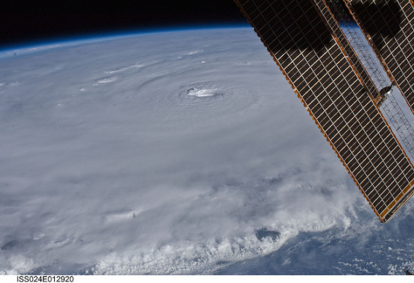 Hurricane Earl (NASA, International Space Station Science, 08/30/10)