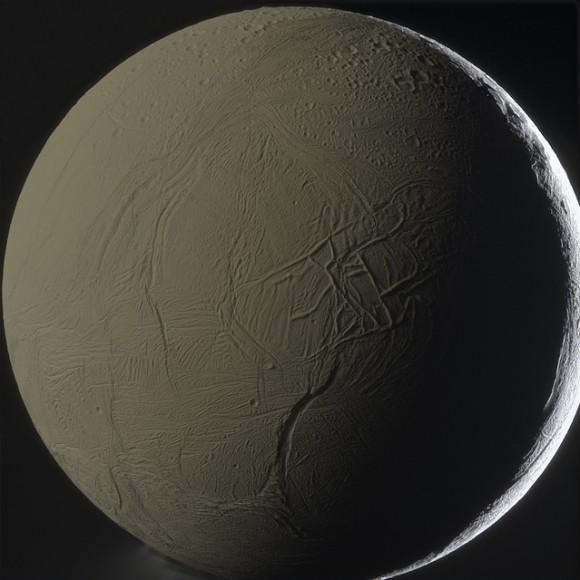 Encélado | Cassini/NASA/Goran Ugarkovic