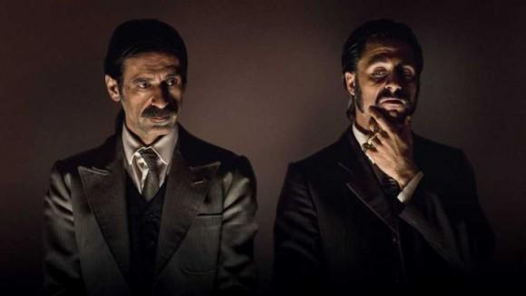 Alonso de Entrerríos y Pacino, personajes de la serie El Ministerio del Tiempo