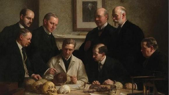 Cien años después, por fin sabemos quien fue el responsable del mayor fraude científico de la Historia